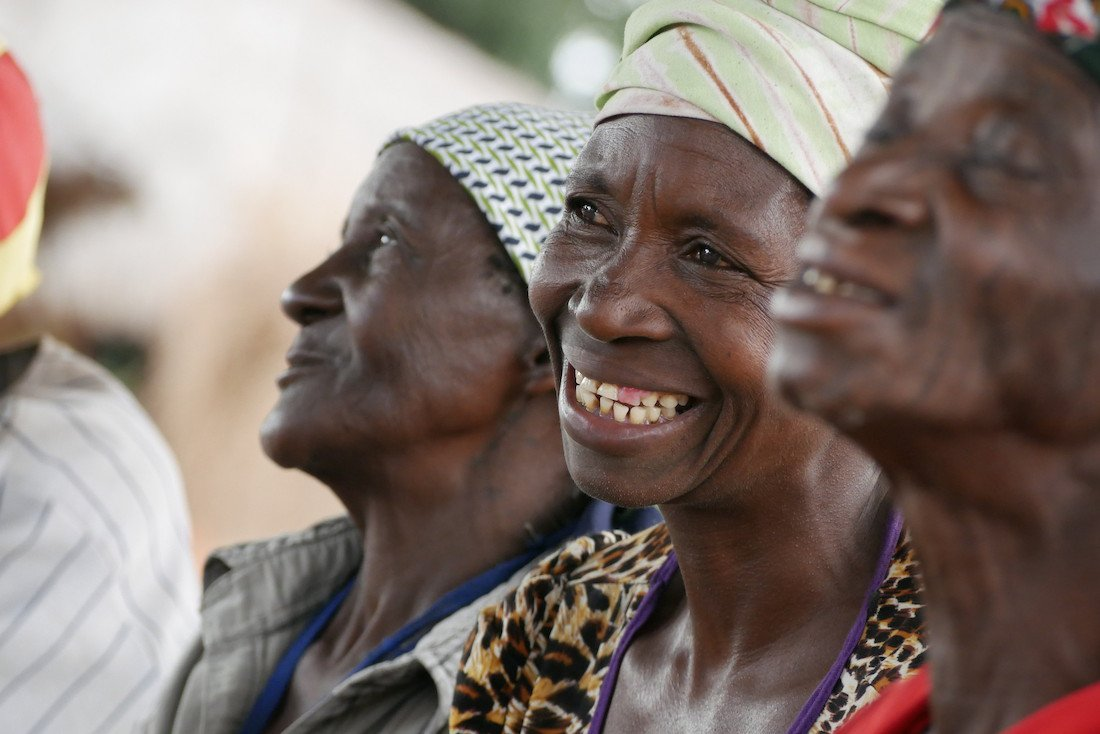 Mozambique women - screen resolution