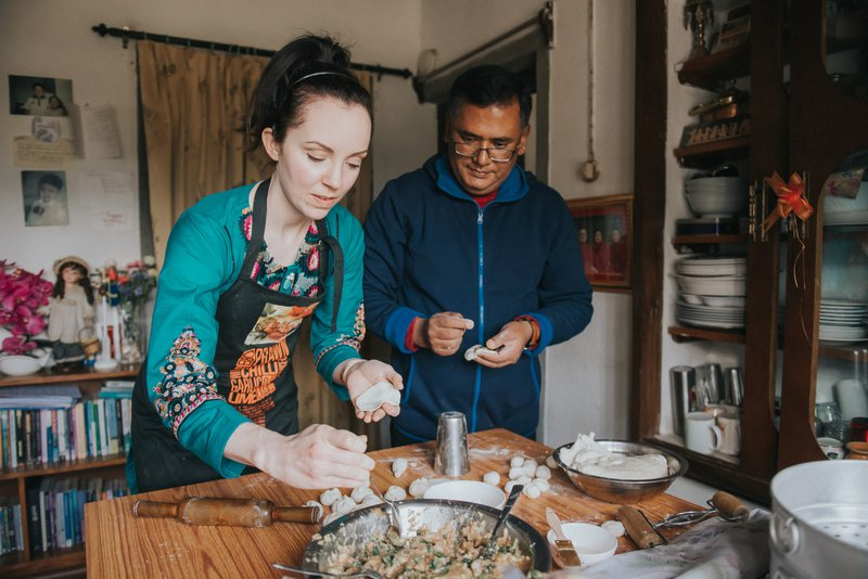 Stef Reid makes momos with Dr Indra